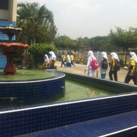 Photo taken at Sekolah Menengah Kebangsaan Cheras by FyzKa PЯoPa KЯB™ on 2/10/2014