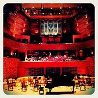 Снимок сделан в Концертный зал Мариинского театра пользователем Alice K. 7/11/2013
