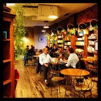 Foto scattata a The Market Cafe da Drew J. il 12/17/2012