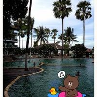 Photo taken at Pattawia Resort and Spa by 🇹🇭 Thiti Y. 🇹🇭 on 5/7/2013