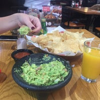 Photo taken at Chilis by Agneishca S. on 5/12/2016