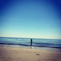 Photo taken at Bound Brook Island Beach by Jonathan S. on 7/5/2016