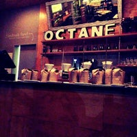 Photo prise au Octane Coffee + Little Tart Bakeshop par Steve O. le12/22/2012