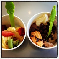 Photo taken at Menchie's Frozen Yogurt - Sweet Apple Village by Steve O. on 10/5/2012