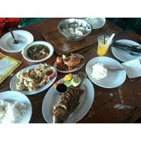 Photo taken at Restoran Pringsewu by Varania P. on 7/29/2014