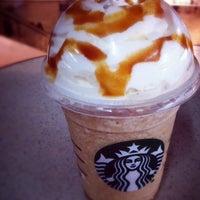 Foto tirada no(a) Starbucks por Stefânia C. em 11/20/2013