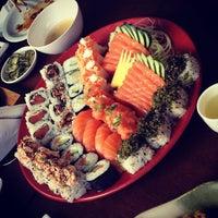 Foto tirada no(a) Sakae Sushi por Gabriel A. em 4/16/2013