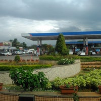 Photo taken at Expressway Food Mall by Surabhi A. on 2/15/2014