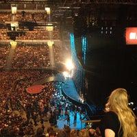 Das Foto wurde bei TUI Arena von Michael R. am 5/4/2013 aufgenommen