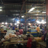 Photo taken at Pasar Kue Subuh by Nurdiansyah C. on 5/30/2014