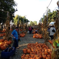 Photo taken at Clancy's Pumpkin Patch by Ohad B. on 10/14/2012