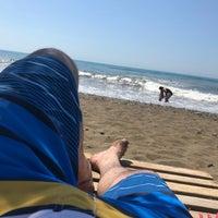 Photo taken at Flamingo 8 Plajı by Oğuz Ö. on 6/17/2018