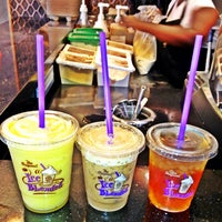 Photo taken at The Coffee Bean & Tea Leaf by Marc K. on 7/20/2013