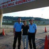 Photo taken at KOCAELİ 1 NO'LU T TİPİ KAPALI CEZA İNFAZ KURUMU by Emre A. on 7/26/2014