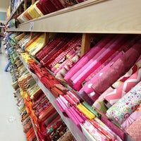 jo-ann fabrics and crafts store locator