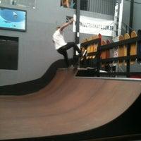 Foto tirada no(a) Ultra Skate por Thiago Costa em 10/17/2013
