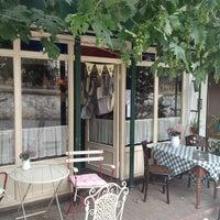 6/28/2013 tarihinde Maksut B.ziyaretçi tarafından Luz Café'de çekilen fotoğraf