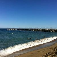 Foto tomada en Playa de la Mar Bella por Svetlana K. el 7/29/2013