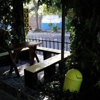 Photo taken at Oasis: Jugos y Licuados by Nestor G. on 3/17/2013