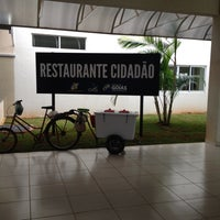Photo taken at Restaurante Universitário ( RU) by Rossani Duarte A. on 3/6/2014