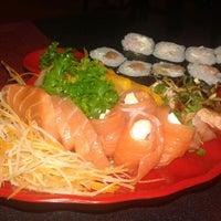 Foto tirada no(a) Han'ei Sushi por Djair A. em 8/2/2014