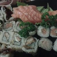 Foto tirada no(a) Han'ei Sushi por Djair A. em 11/2/2014