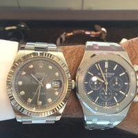 Photo prise au Audemars Piguet Boutique par AKA Mr. B . le7/25/2014