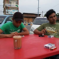 Photo taken at Kedai Minum Rahim by Randy S. on 9/16/2012