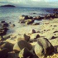 Foto tirada no(a) Praia da Tartaruga por Nil M. em 1/27/2013