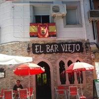 Photo taken at El Bar Viejo by Vinuesa vallas y cercados on 8/28/2014