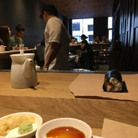 Das Foto wurde bei KazuNori: The Original Hand Roll Bar von Sarah A. am 10/1/2017 aufgenommen