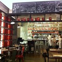 Foto tirada no(a) ICI Brasserie por Osmar D. em 5/7/2013