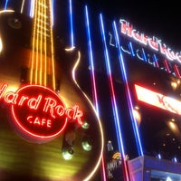 Photo taken at Hard Rock Cafe Las Vegas by Andres C. on 7/6/2013