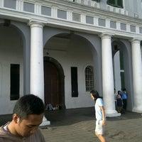 Photo taken at Museum Sejarah Jakarta (Museum Fatahillah) by tanarachan on 3/31/2013