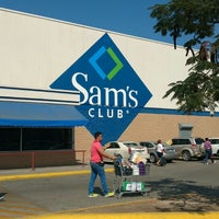 Photo taken at Sam's Club by Dolores L. on 12/31/2015