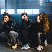 Photo taken at Niketown SF Run Club by Krystal R. on 11/12/2015