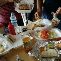 Foto scattata a Hamburguesas Búfalo da Brenda L. il 7/22/2015