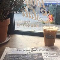 Снимок сделан в Toby's Estate Coffee пользователем Seth F. 7/18/2017