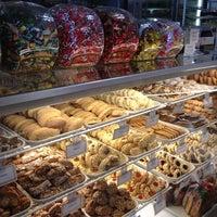 Photo taken at Dianda's Italian American Pastry by Darlene K. on 6/29/2013