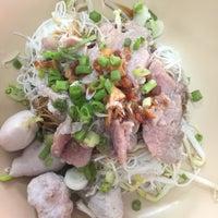 Photo taken at ลูกชิ้น อนามัย by Jeanisuka on 8/21/2017