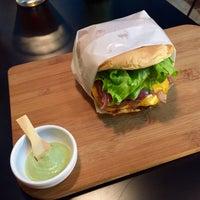 Foto tirada no(a) Real Burger por Thiago F. em 7/11/2015
