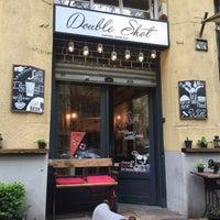 Foto tomada en Double Shot Coffee Shop por Carina N. el 4/27/2017
