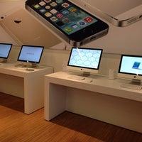 Photo taken at Pupa Apple Store by Samet Ö. on 4/13/2014