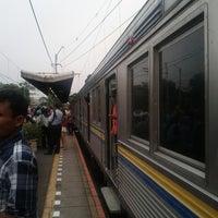 Photo taken at Stasiun Kemayoran by Bayu A. on 8/20/2013