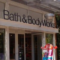 Photo taken at Bath & Body Works by Paul on 7/18/2013