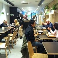 Das Foto wurde bei Letiuz Salad Bar von Pauline L am 12/13/2013 aufgenommen