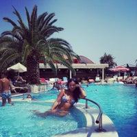 8/17/2013 tarihinde Ksenia V.ziyaretçi tarafından Romance Beach Hotel'de çekilen fotoğraf