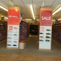 Photo taken at Payless ShoeSource by Beatriz MM on 4/26/2016
