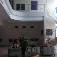 Photo taken at Victoria Hotel & Suites by José Juan R. on 4/4/2014