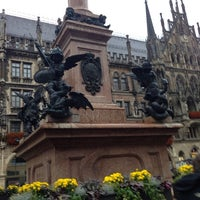 Das Foto wurde bei Marienplatz von Nemanja P. am 10/27/2013 aufgenommen